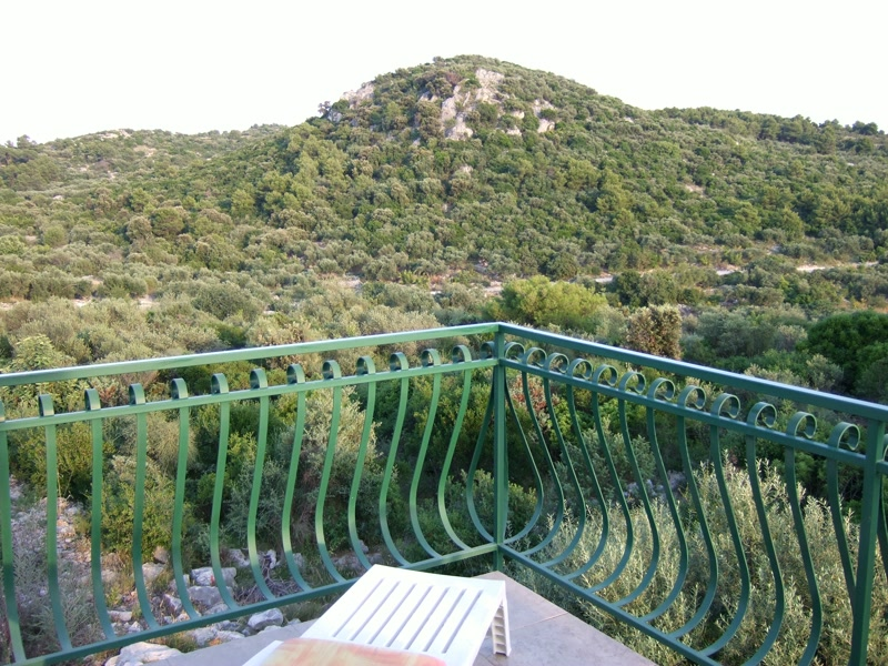 Blick von der Schlafzimmer Terrasse <> View from bed room's terrace