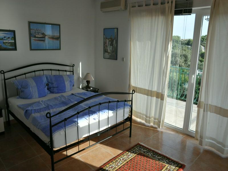 Schlafzimmer <> Bed room