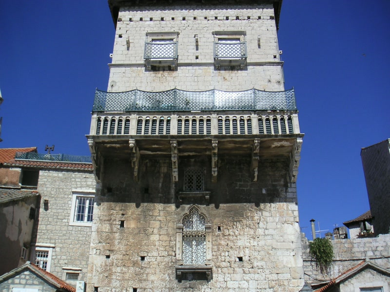 Altstadt von Trogir <> Historic town of Trogir