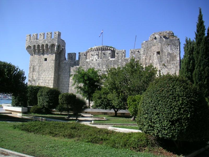Burg Kamerlengo in Trogir <> Castle Kamerlengo in Trogir